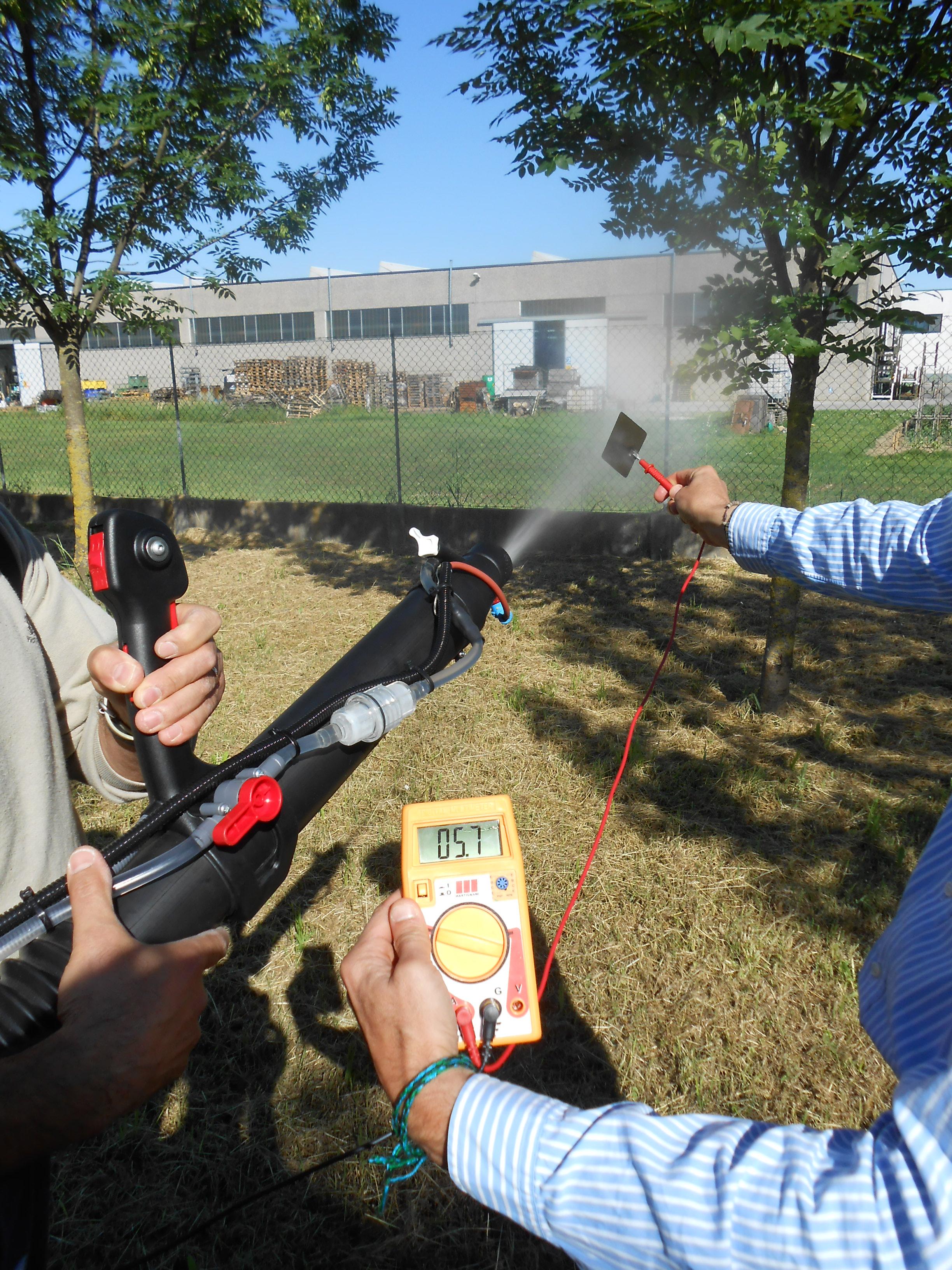 Electrostatic Fluid Accelerator : Electrostatic backpack sprayer quot martignani k